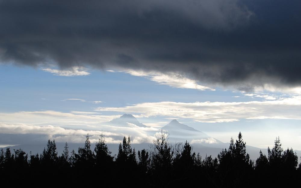 Vulkane Wolken