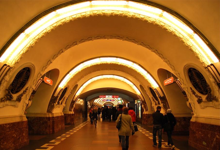 Sankt_Petersburg_U-Bahn4