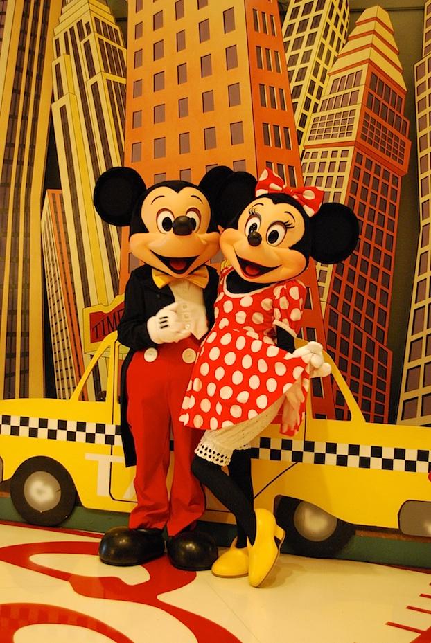 Disneyland_Mickey_und_Minnie
