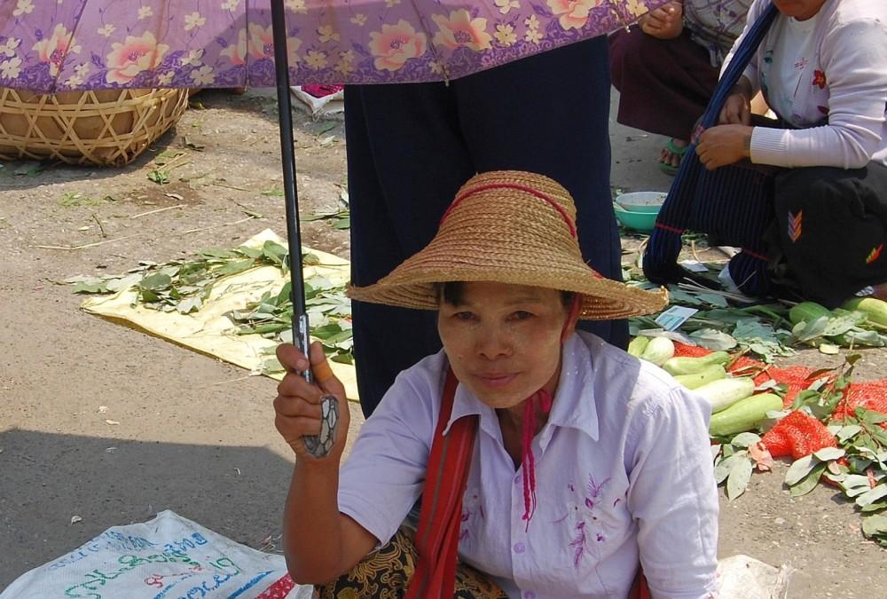 Myanmar_Fischverkaeuferin