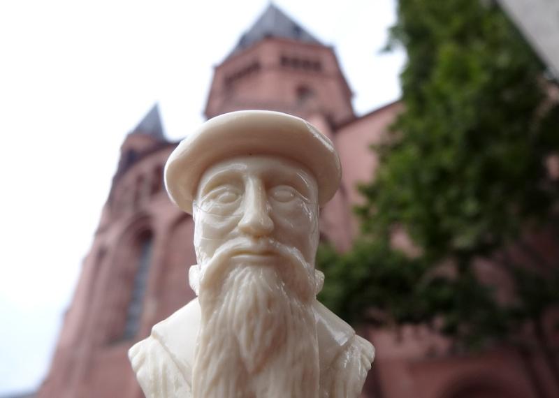 Interview mit einem Gutenberg-Figürchen