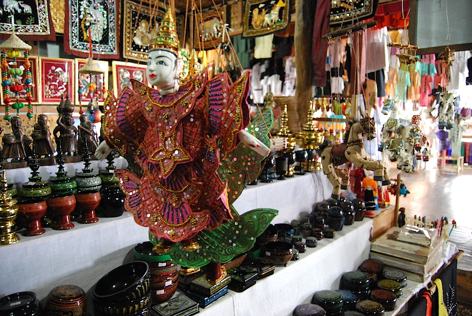 Myanmar_Inle_See_Souvenirs