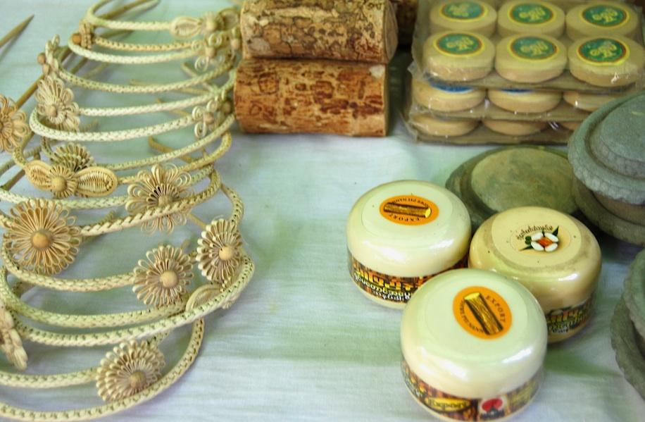 Myanmar_Thanaka-Paste