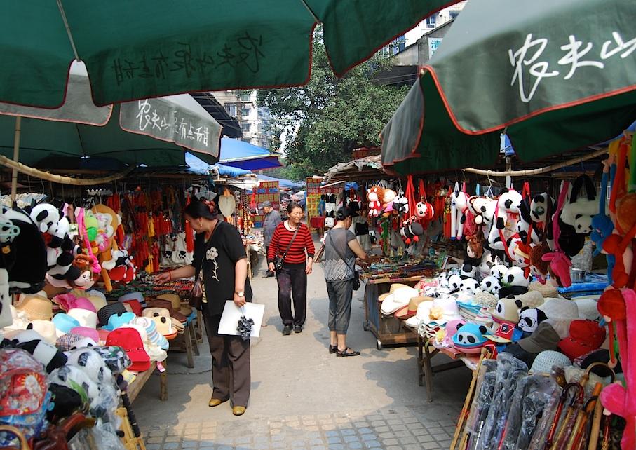 China_Sichuan_Markt_Pandas