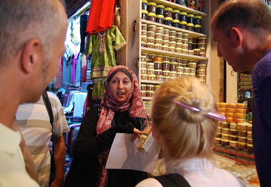 Oman_Muscat_Markt_Weihrauch2
