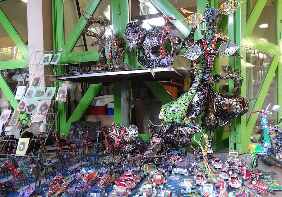 Victoria_Falls_Souvenir_Recycling_Kunst