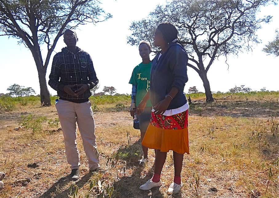 Namibia_Khwe_Spurenlesen2