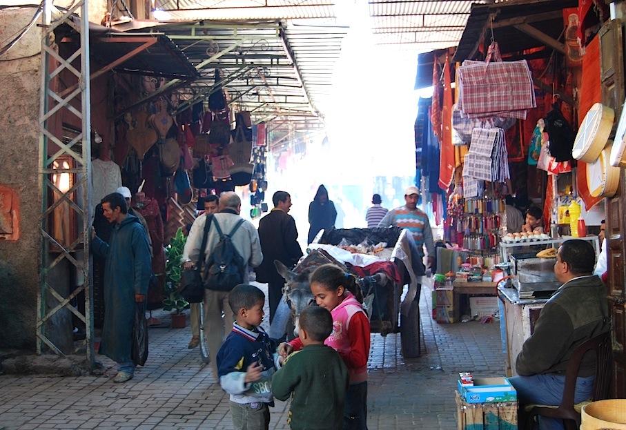 Marokko_Marrakesch_Markt_Gasse2