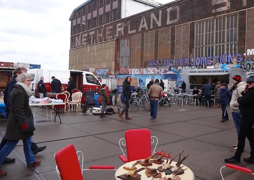 Amsterdam_Flohmarkt_IJ_Hallen_Aussengelaende