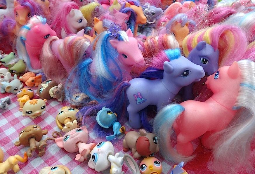 Amsterdam_Flohmarkt_IJ_Hallen_Ponys