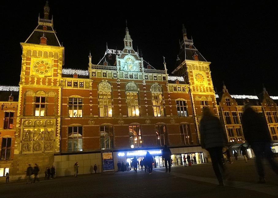 Amsterdam_Bahnhof
