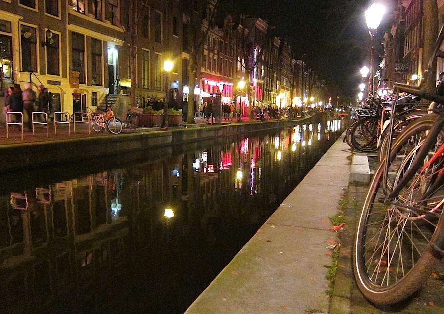 Amsterdam_Gracht_Rotlichtviertel