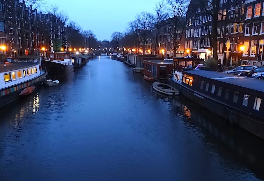 Amsterdam_Grachtenguertel_Hausboote