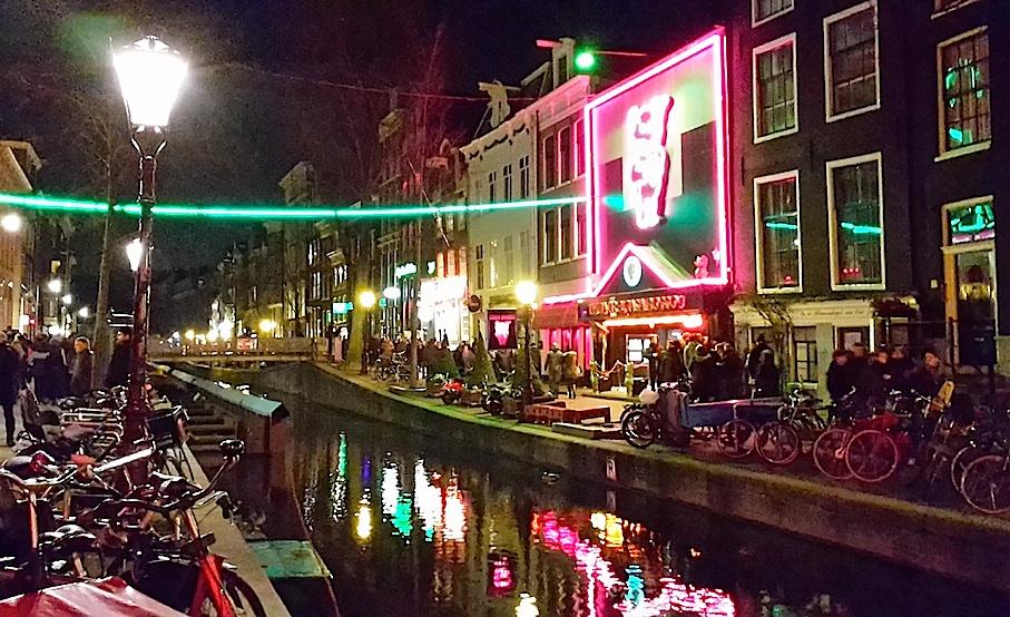 Amsterdam_Rotlichtviertel2