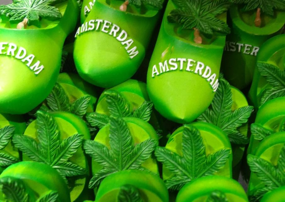 Amsterdam_Souvenir_Holzschuhe