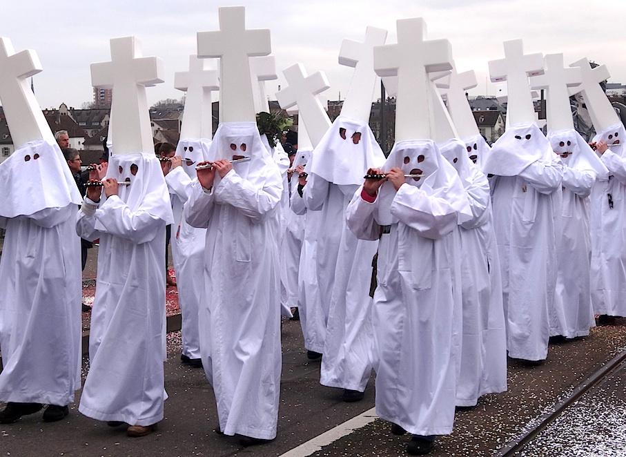 Basel_Fasnacht_Cortege_Ku-Klux-Klan