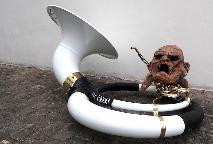 Basel_Fasnacht_Larve_Instrument