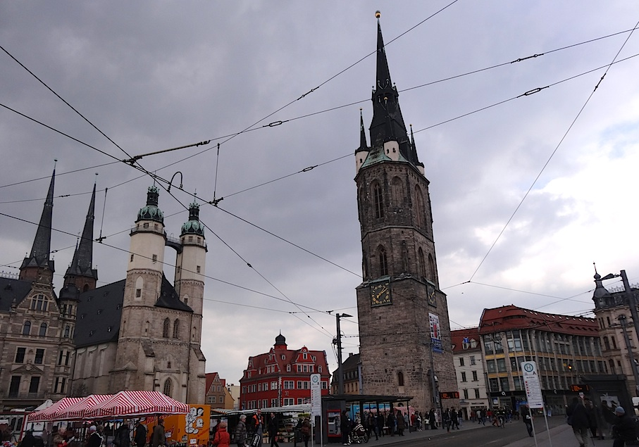 Halle_Marktplatz_fuenf_Tuerme