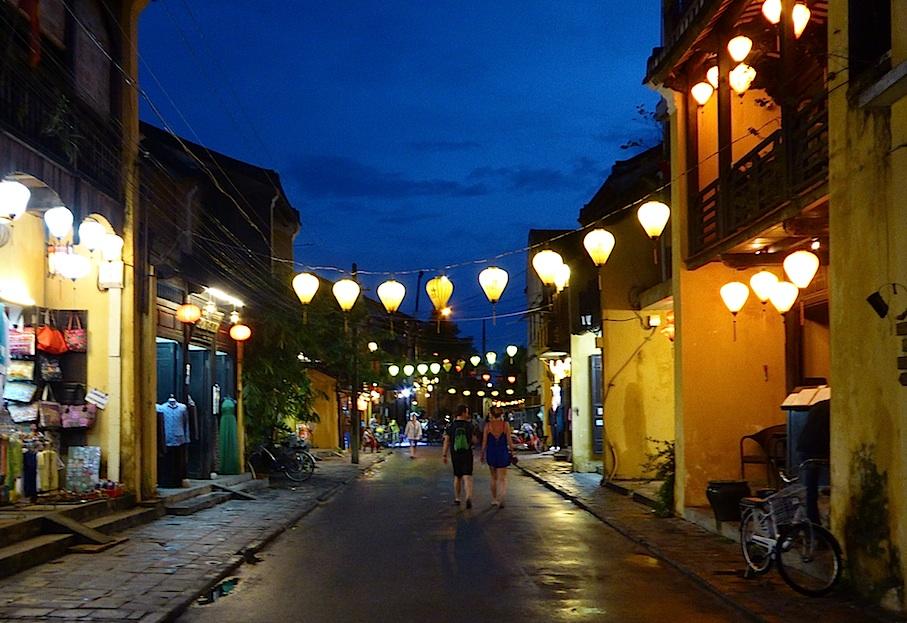 Vietnam_Hoi_An_Lampionschmuck_Regen