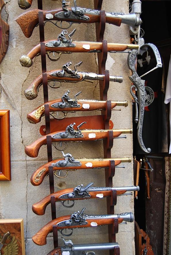 spanien_toledo_revolver