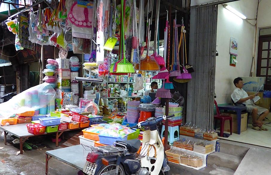vietnam_hanoi_altstadt_haushaltswaren