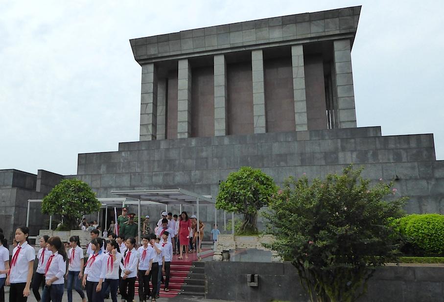 vietnam_hanoi_mausoleum