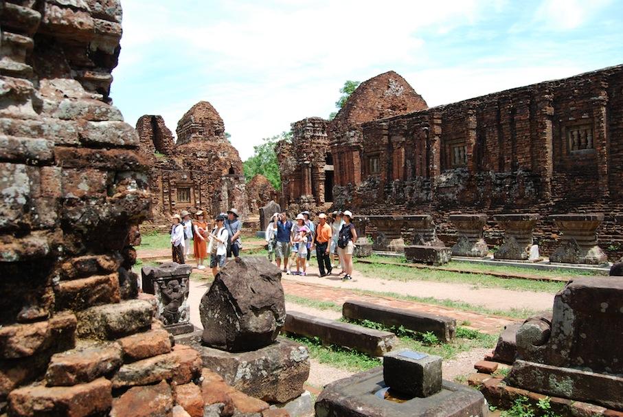 vietnam_my_son_cham_ruinen_touristen