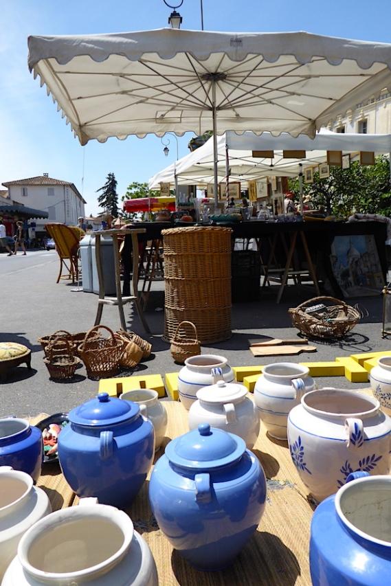 Frankreich_Isle_sur_la_Sorgue_Markt_Keramik