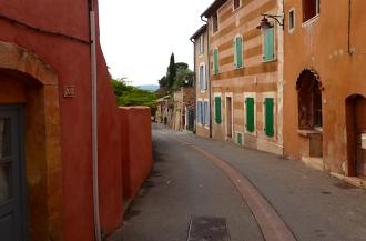Frankreich_Roussillon_Gasse2