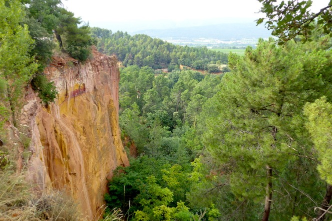 Frankreich_Roussillon_Ockerfelsen_Panorama